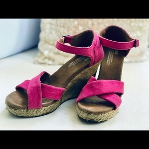 cbe0525aeea Toms Shoes - 🍾🔥 TOMS Hot Pink Wedges Sz 7.5M GUC 🍾🔥